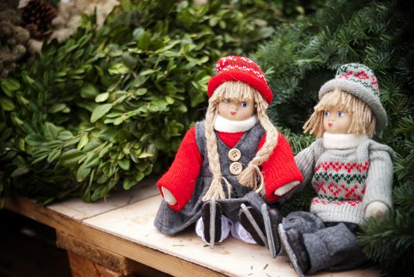 Joulun tunnelmaa Viherlandian kuusimetsässä